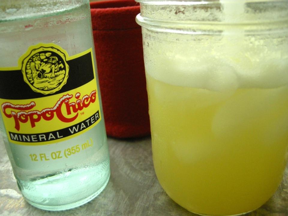 pineapple soda | aneelee.wordpress.com