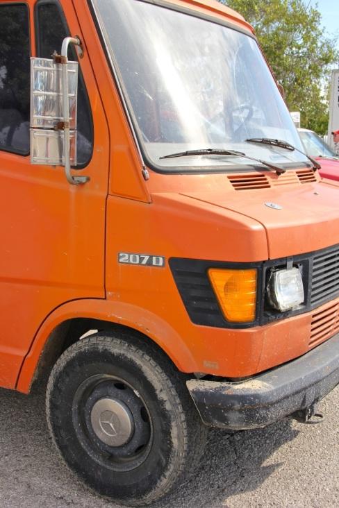 merecedes 207D van | aneelee.wordpress.com
