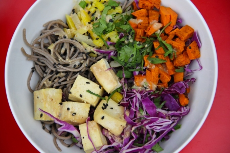 lunch bowl - soba and sweet potato | aneelee.com