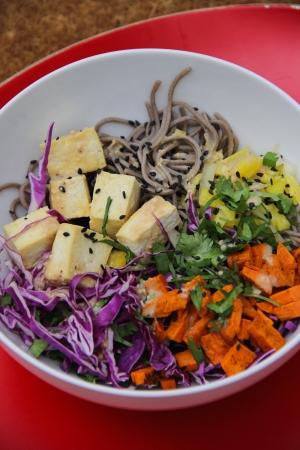 soba and roasted sweet potato salad | aneelee.com